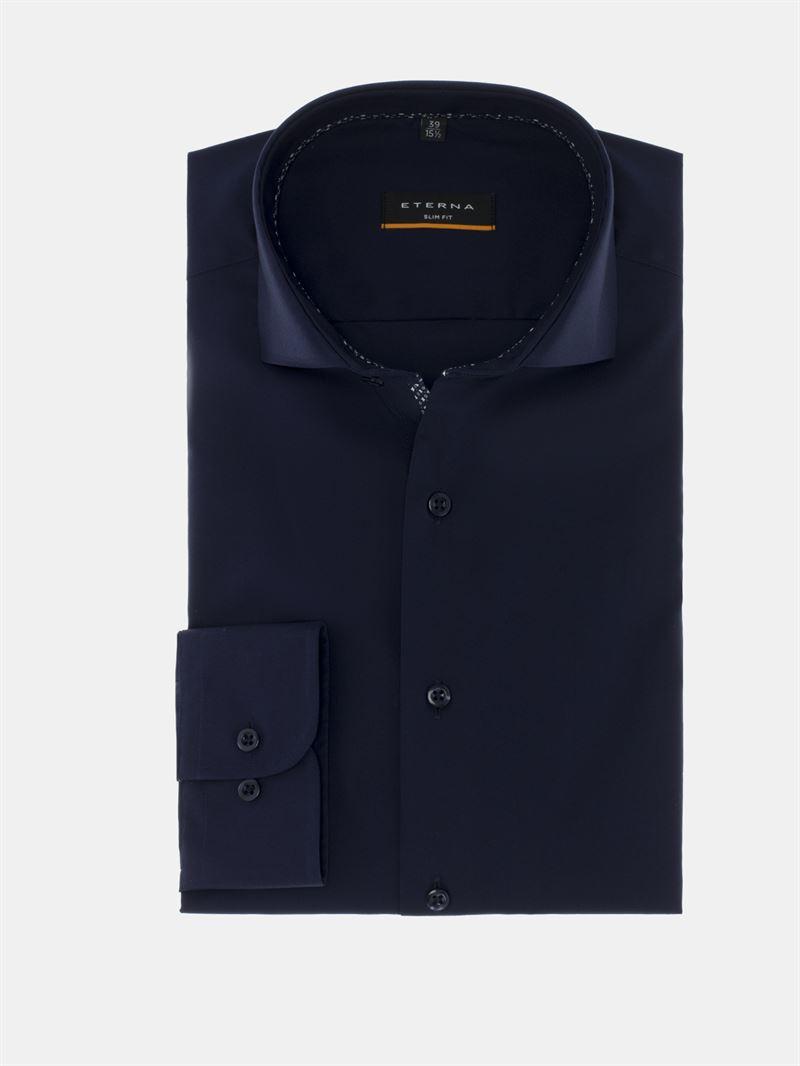 795978bb6ce Eterna mørke blå skjorte med stræk Slim Fit. 8585 19 F182